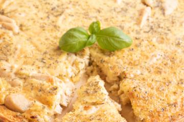Italiaanse hartige taart met kip