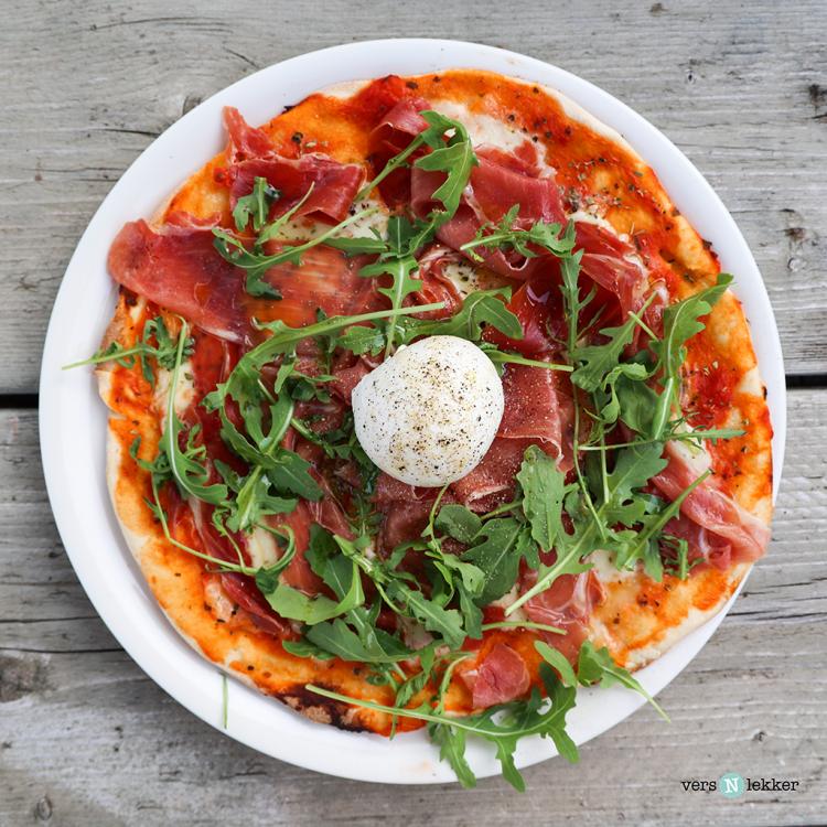 Pizza Parma met burrata